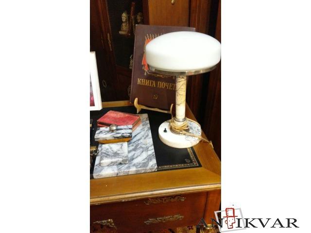Настольная лампа и письменный комплект. - 1/1