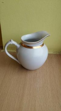 Pardod porcelana izstradajumus