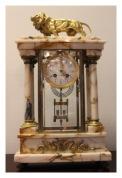 """Каминные часы """"лев"""" с кубками"""